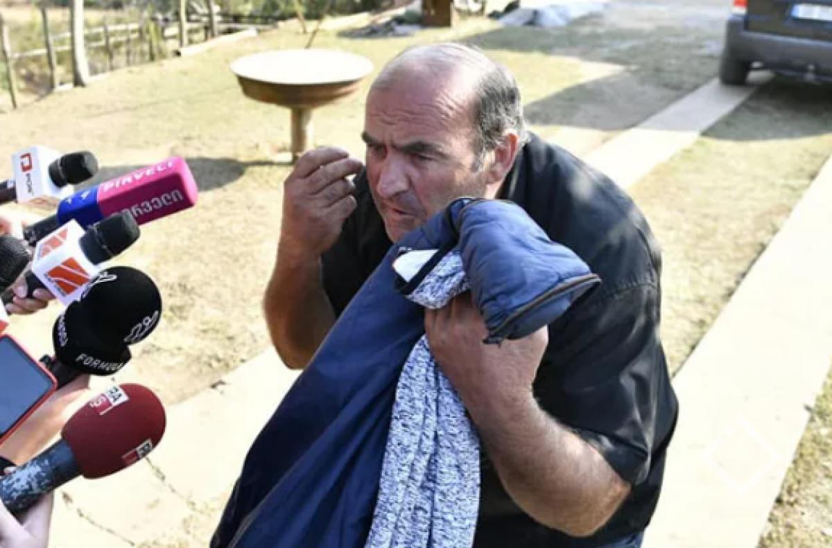 ბადრი ესებუას მამა აცხადებს, რომ მედიაში გავრცელებული კადრები მისი შვილის გადაადგილებასთან დაკავშირებით ძველია